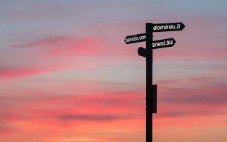 La scelta del dominio migliore per il sito web: kw principale, geolocalizzazione, brand?